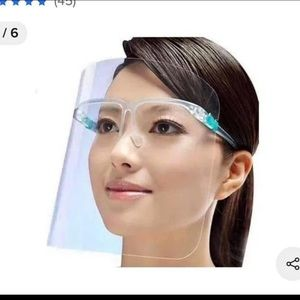 Face shield with fitting glasses